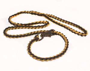 paracord leash