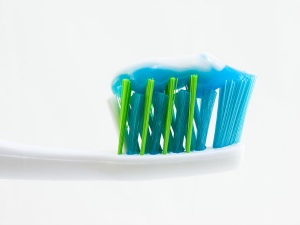 5 Great Tasting Toothpastes That Are Flouride Free