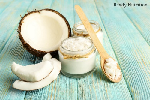 5 Ways Coconut Oil Can Bring Out Your Natural Beauty